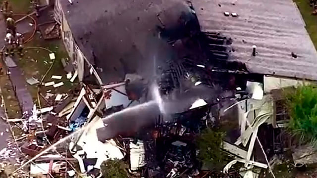 Colapsa parte de edificio de apartamentos en Texas tras explosión de gas