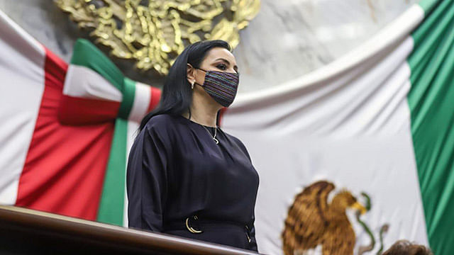 Hay tiempo para conformación de Grupos Parlamentarios: Adriana Hernández