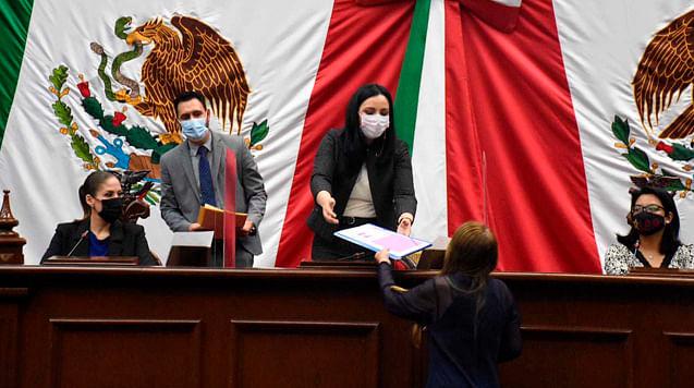 Constituyen formalmente grupos parlamentarios y Jucopo de la LXXV legislatura