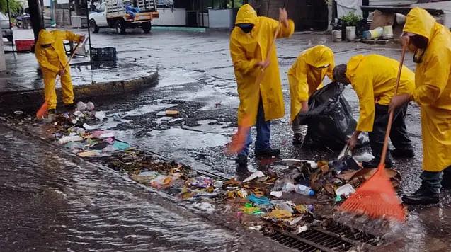Costa de Michoacán, sin incidentes por lluvias intermitentes