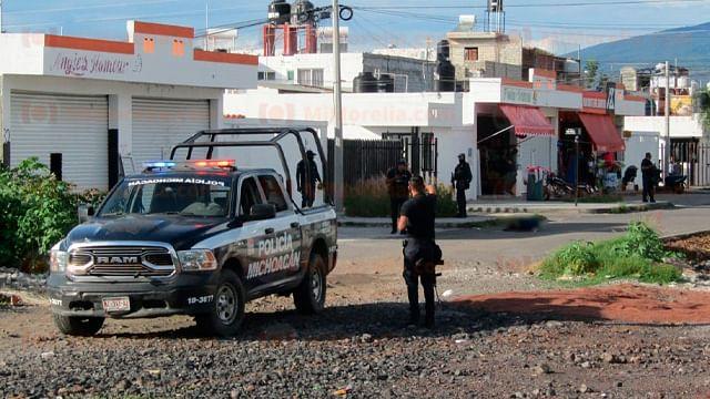 Sujetos en moto acribillan a mujer en Zamora