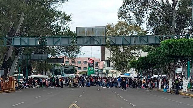 Normalistas y caravana de CNTE se dirigen al centro de Morelia