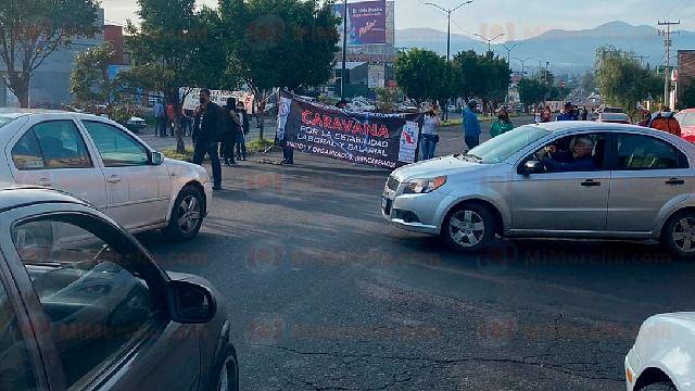 CNTE bloquea libramiento en Morelia; exigen pago de adeudos