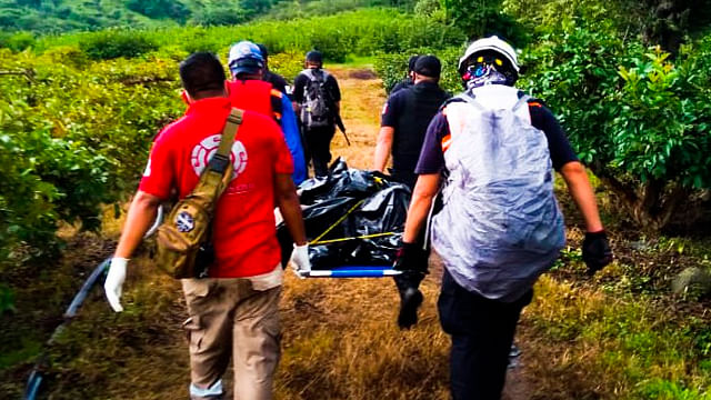 Corriente de río arrastra a un hombre y muere, en Michoacán