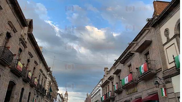 Noche mexicana nublada, pero sin lluvia, prevén