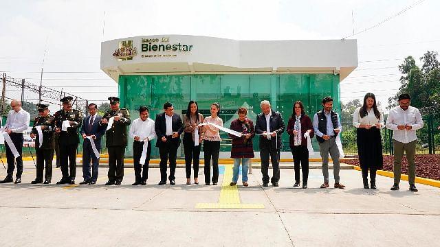 AMLO inaugura la primer sucursal de Banco del Bienestar