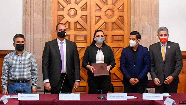 Reciben diputados de Michoacán Informe de la CEDH