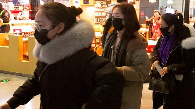 China vuelve a cerrar escuelas por brote de Covid-19