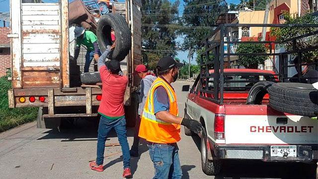 En Zamora, retiran toneladas de cacharros generadores del dengue, chicungunya y zika