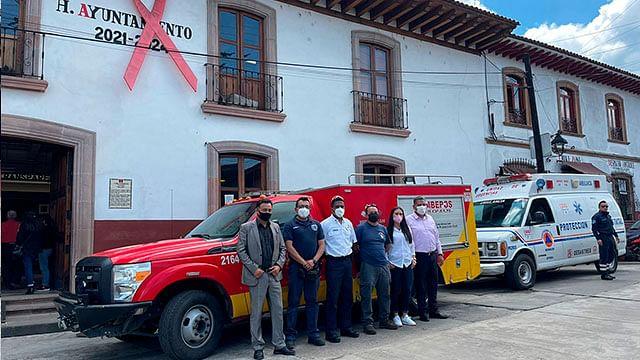 Pátzcuaro: Equipa gobierno de Julio Arreola a Bomberos y a Protección Civil