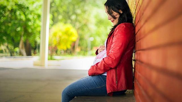 Compra esperma por una app, se insemina con un kit casero y tiene un bebé