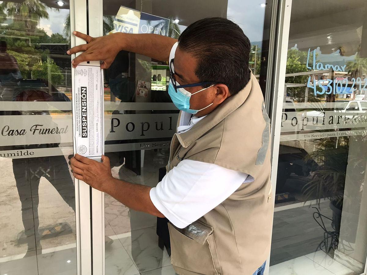 Suspenden 6 negocios en Apatzingán por incumplir normas contra Covid-19