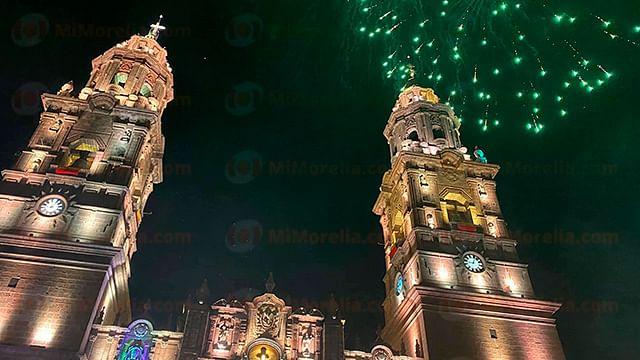 Morelia: valoran encendido de catedral, y desfile, para el 30 de septiembre