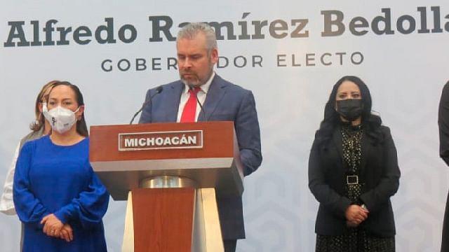 Presenta Alfredo Ramírez Bedolla su  Gabinete Legal
