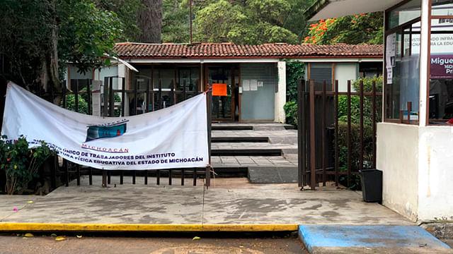 Retoman protesta en el IIFEEM por falta de pago en Morelia