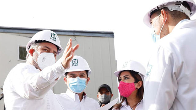 Gobernador y Zoé Robledo revisan predios para traer oficinas del IMSS a Morelia