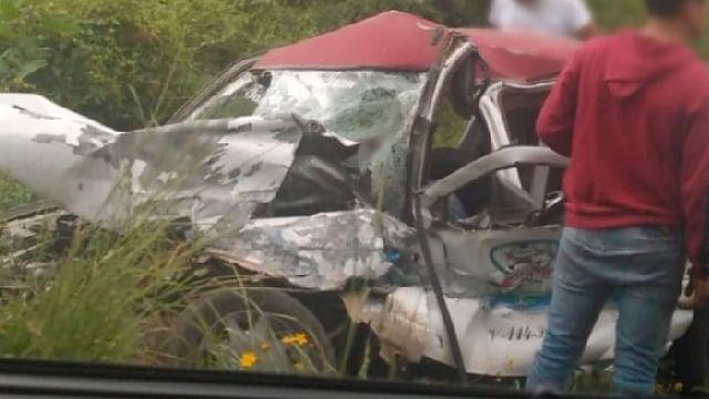 Un muerto y 3 heridos en aparatoso choque en la Uruapan-Pátzcuaro