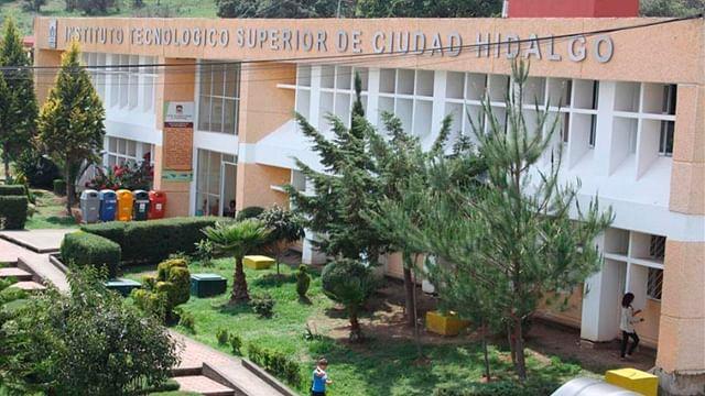 Tec Campus Cd. Hidalgo atribuye atraso en títulos a cambios en proceso de trámite