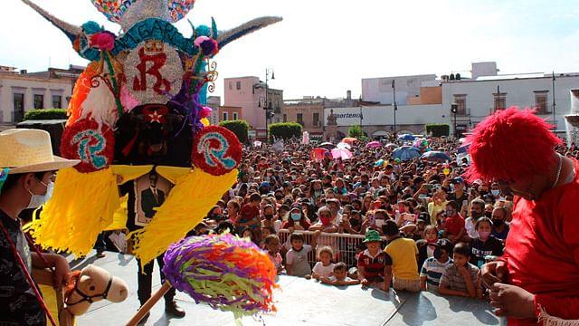Sin protocolos sanitarios, se realiza el Festival del Torito en Morelia