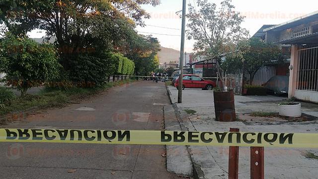 Al salir de su casa, mujer es asesinada a balazos, en Uruapan