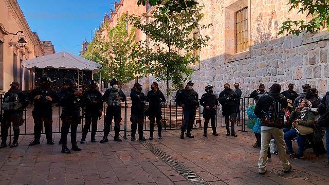 Resguardan el Clavijero por toma de protesta de Bedolla como gobernador