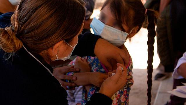 Ordena juez vacunar contra Covid-19 a todos los menores de edad en México