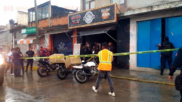 Dos hombres y una mujer son asesinados en pizzería de Zitácuaro