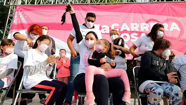 Diputada Adriana Hernández dona su cabello para michoacanas con cáncer de mama