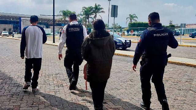 Aseguran a 2 menores que pretendían viajar solos de Morelia a la CDMX