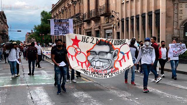 Morelia: Marchan a 53 años de la matanza de Tlatelolco