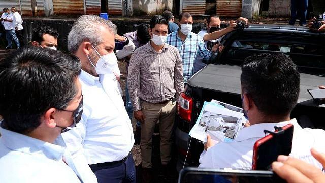 Bedolla revisa proyecto para reactivar central de abastos en Zitácuaro