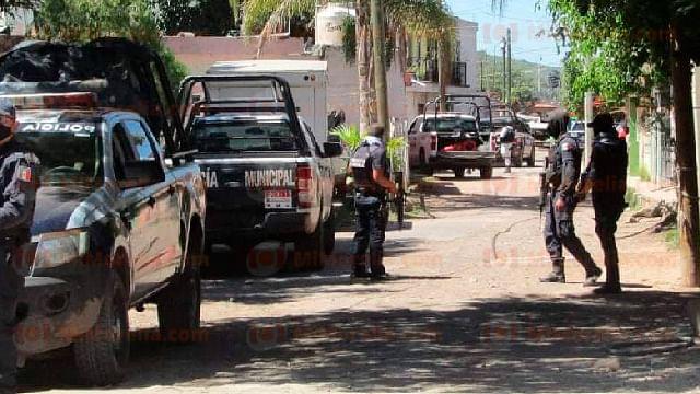 Atacan a balazos una patrulla en Zamora; hay un policía muerto y 2 heridos