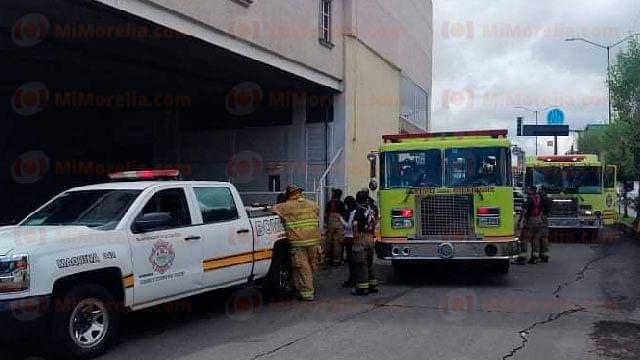 Se registra incendio en Chedrahui de avenida Nocupétaro, en Morelia