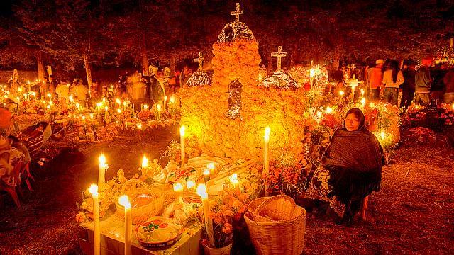 Janitzio cerrará paso a turistas para Noche de Muertos ante el Covid-19