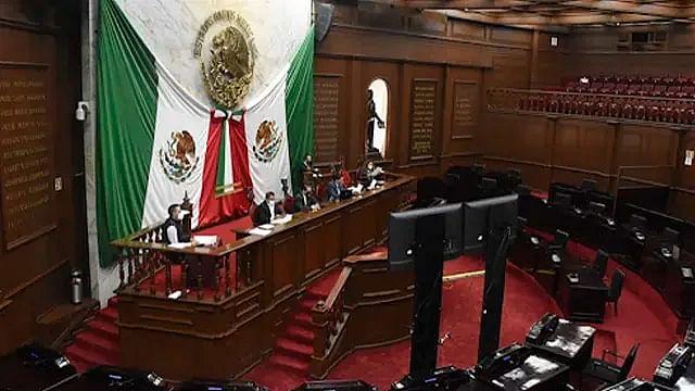 Con aval de Morena, PT, PVEM, PRI y PRD, reformas promovidas por Bedolla