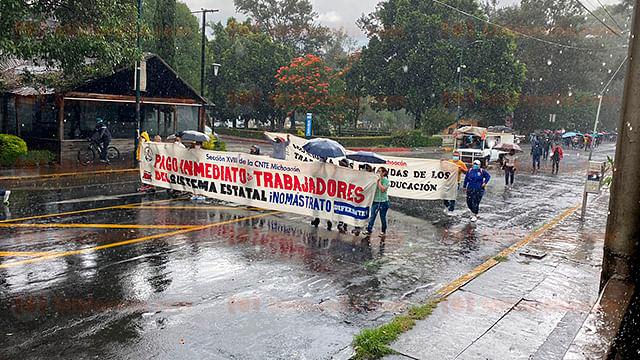Pese al compromiso de pago, CNTE continúa con manifestaciones en Morelia