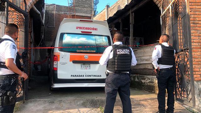 Lo detienen acusado de asaltar negocio a bordo de una combi Naranja