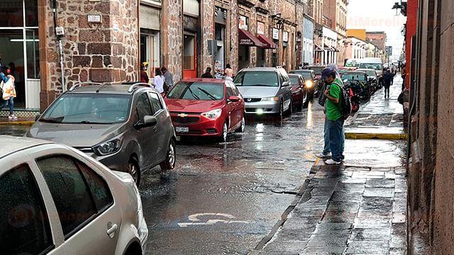 Continuarán lluvias en Michoacán por  canal de baja presión