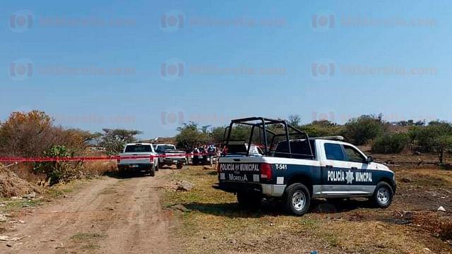 Localizan cadáver envuelto en cobija al sur de Morelia