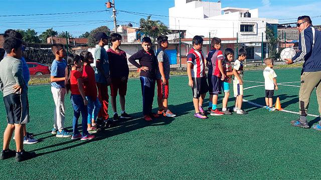 Comienza el curso de futbol para niños y jóvenes de Uruapan