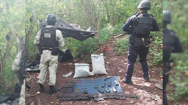 Desmantelan campamento y aseguran drogas, armas de fuego y 3 vehículos