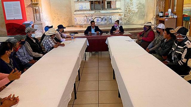 Gobierno de Charo atiende demandas de campesinos antorchistas