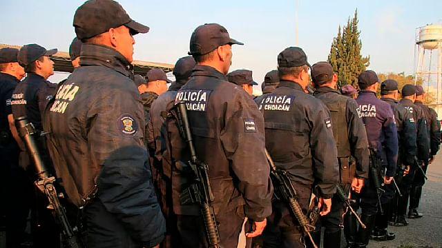 Casi 400 policías, asignados como escoltas de ex gobernadores y de civiles