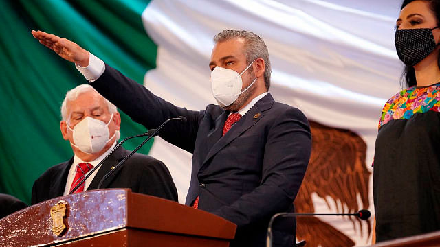 Alfredo Ramírez Bedolla rinde protesta como gobernador de Michoacán
