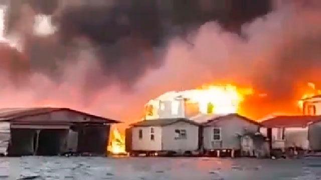 Voraz incendio en isla hondureña deja 2 mil 500 personas afectadas