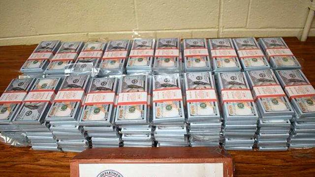 Decomisan más de 6.5 mdd falsos registrados como dinero para el juego Monopoly