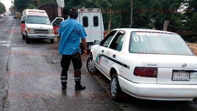 Hallan 2 hombres ejecutados dentro de  taxis en Zitácuaro