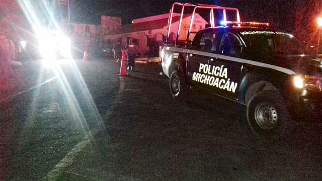Despliegan en Michoacán operativo para búsqueda de tolva con material tóxico robada en Guanajuato