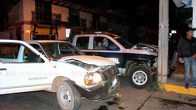 Mujer policía queda herida al ser chocada su patrulla, en Uruapan
