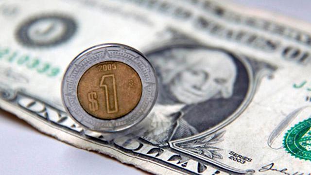 Dólar llega a los 22.20 pesos